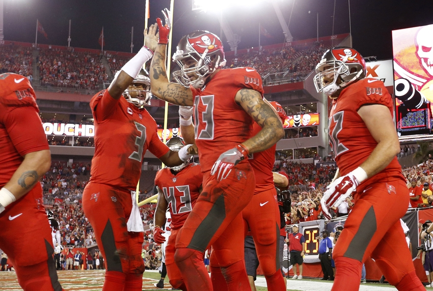 Mike Evans Skies Over Robert Alford for Touchdown Catch (Video)