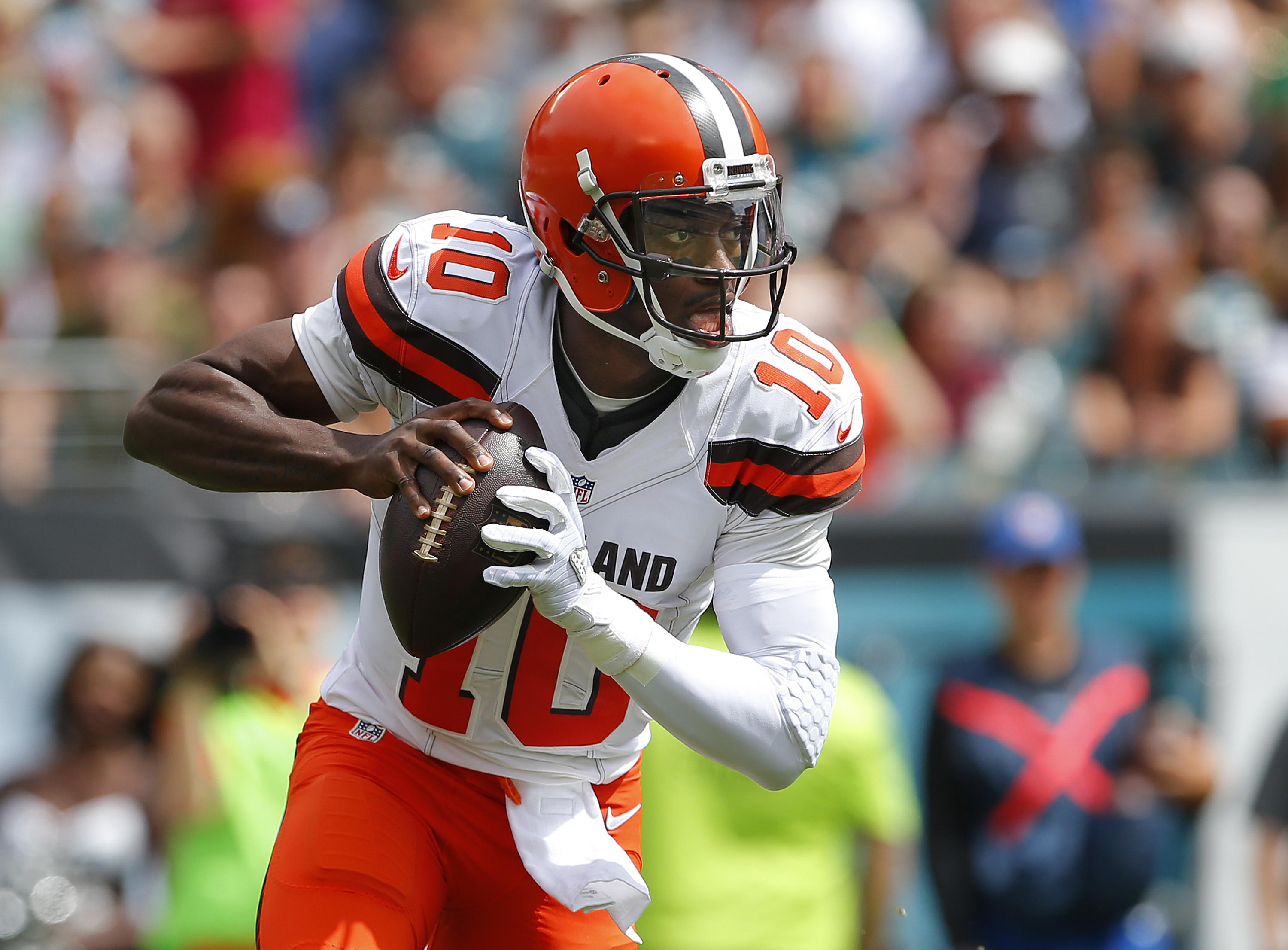 Cleveland Browns: Robert Griffin III's Debut Mirrors Career