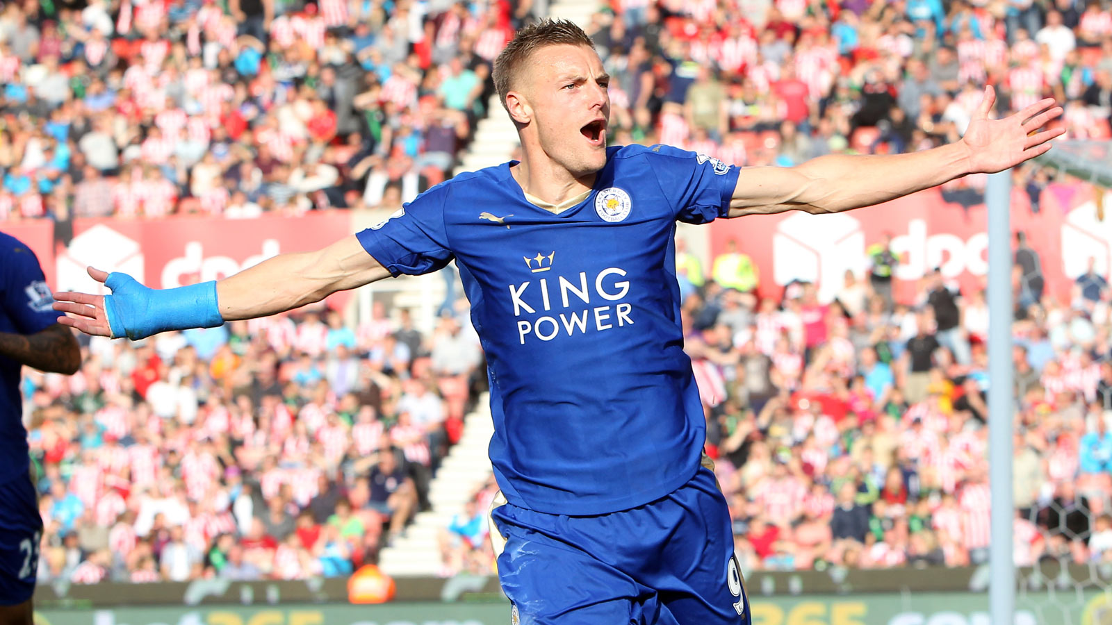 Leicester fight back at Stoke; Everton draw against Swansea