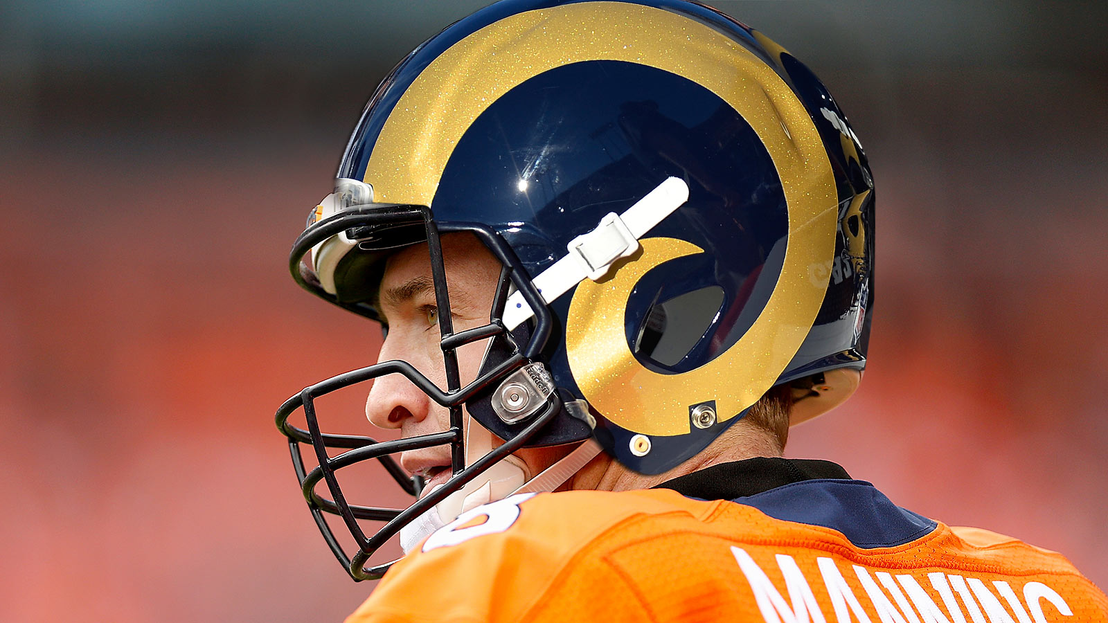 Report: Rams discussed acquiring Peyton Manning for 2016