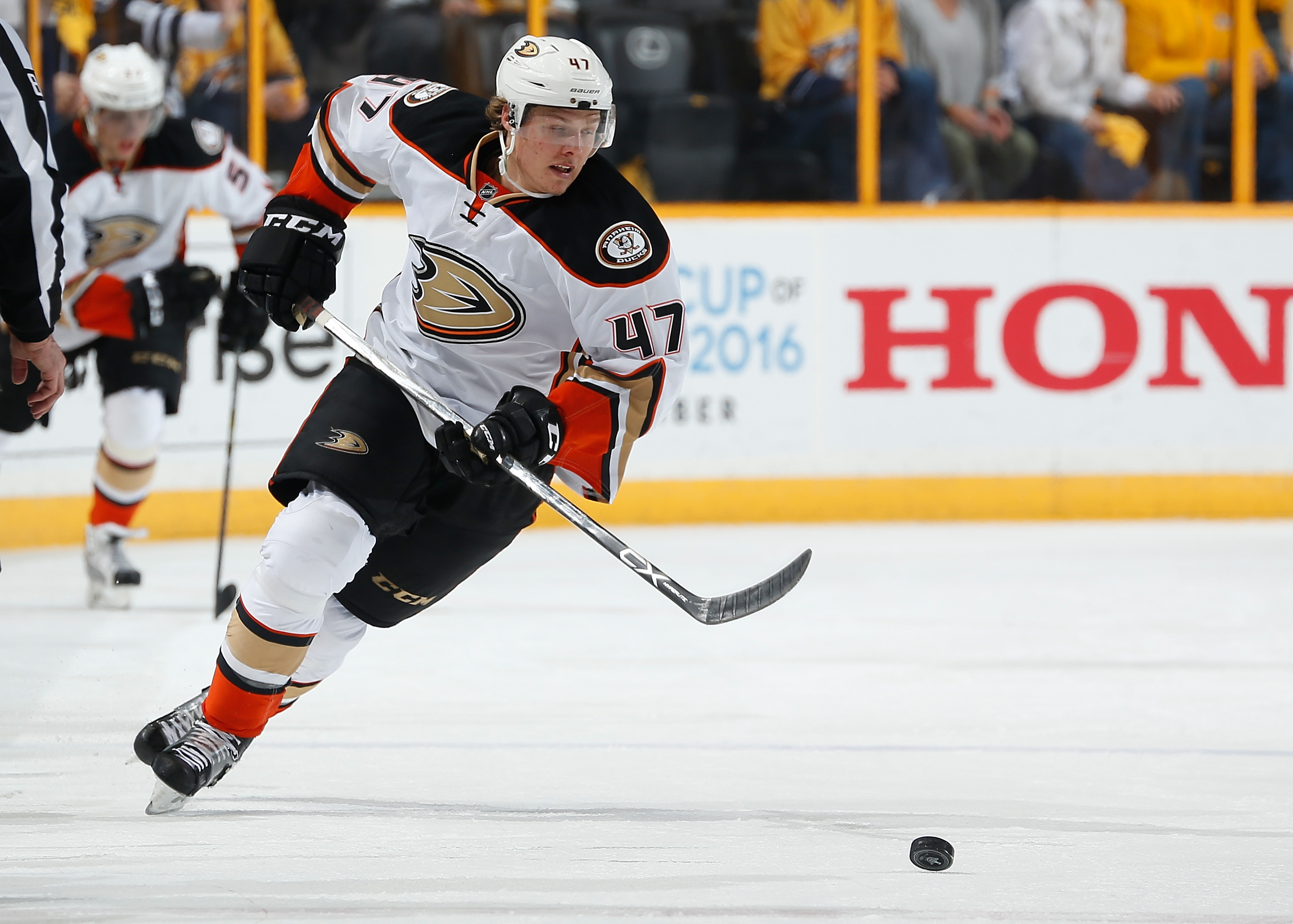 NHL Rumors: Hampus Lindholm agrees to six-year deal with Ducks