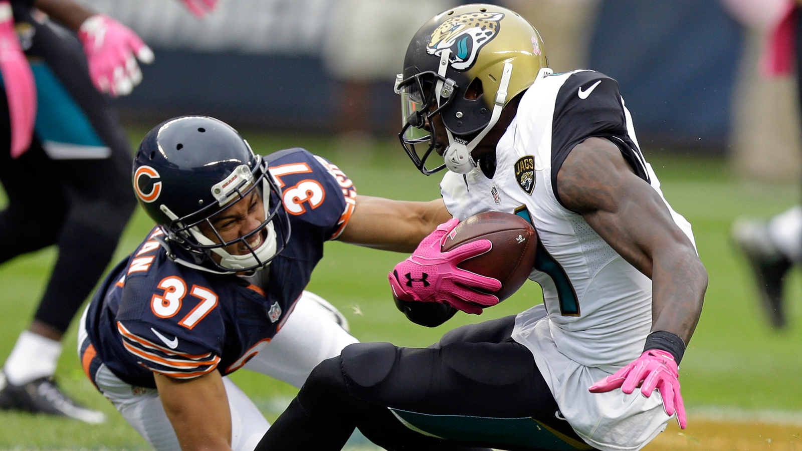 Jaguars score 17 in final quarter to rally past Bears