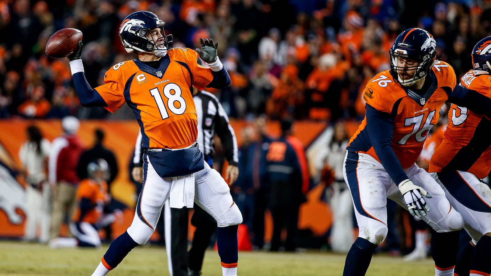 Peyton Manning comes off bench, rallies Broncos to AFC's top seed