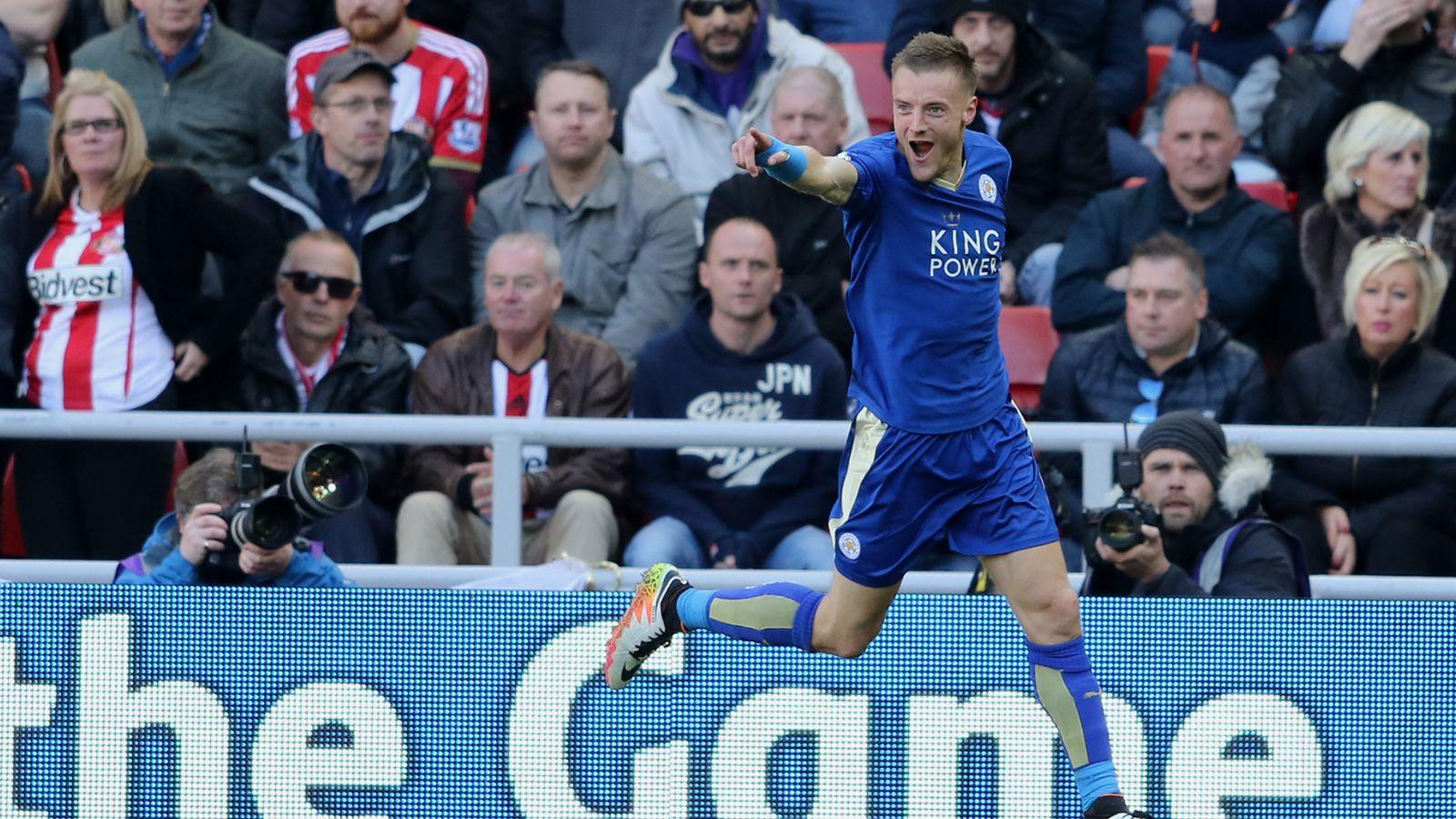 Leicester striker Vardy wins 2016 Football Writers' award