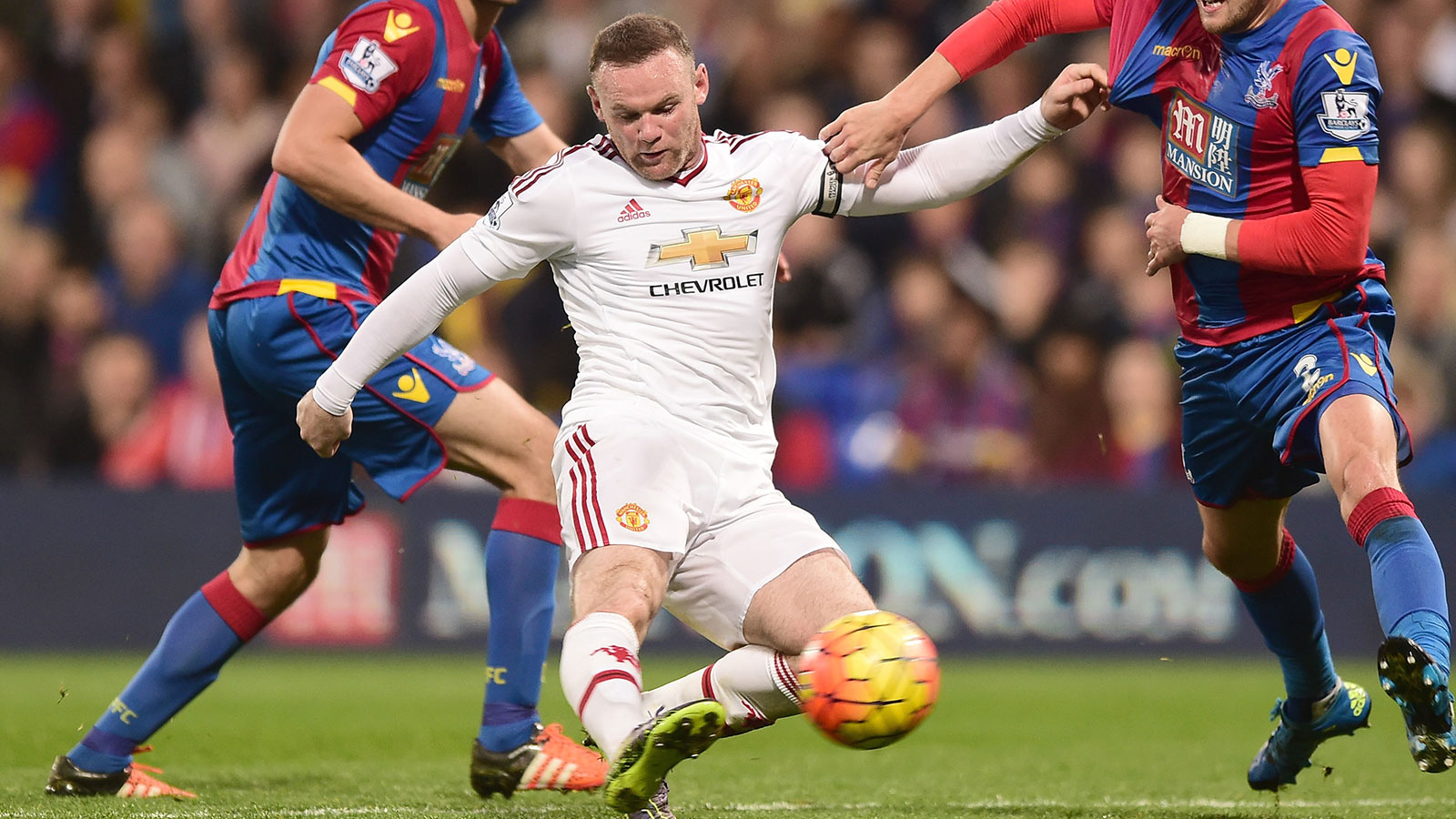 Manchester United held, Leicester up to third in Premier League