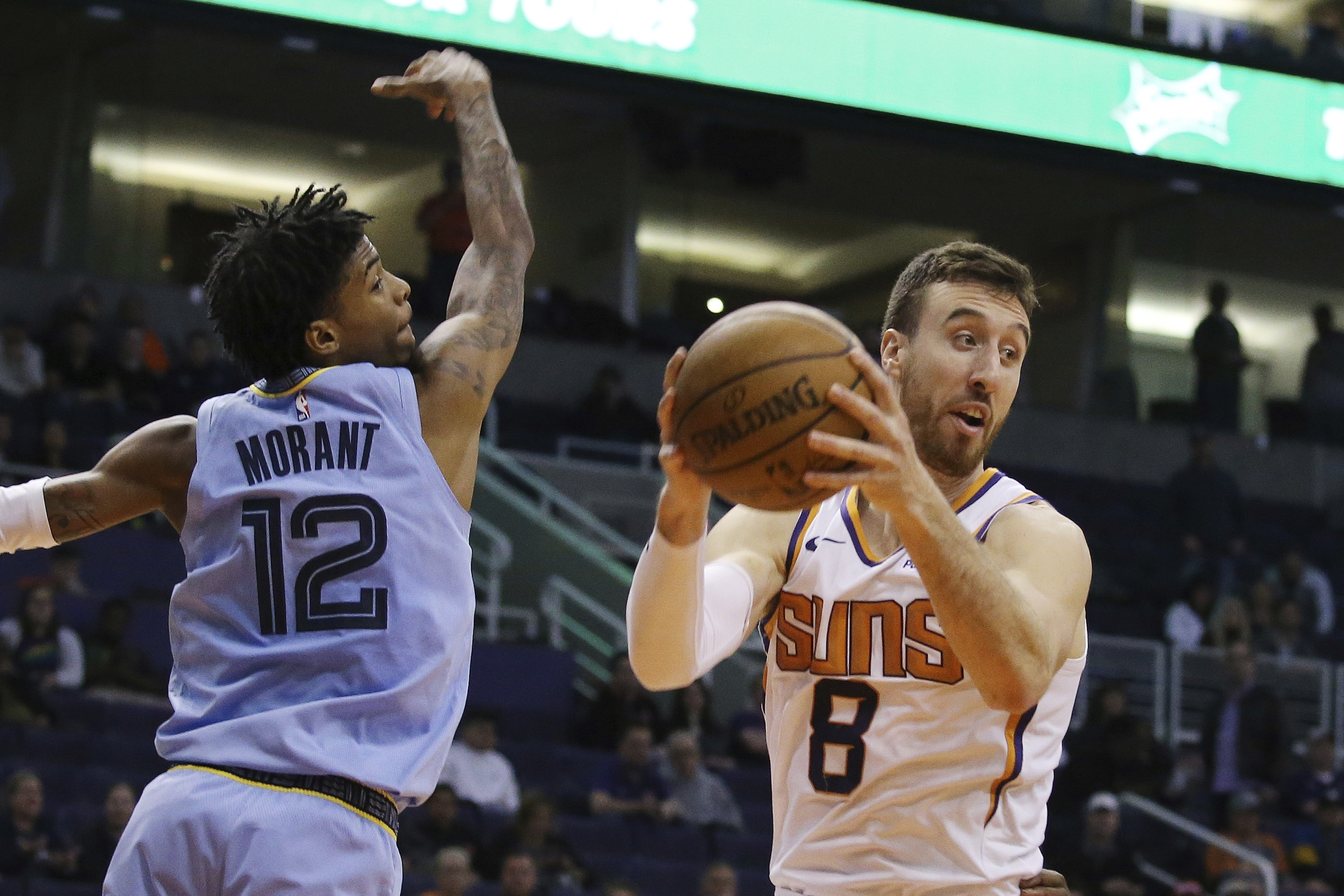 Suns forward Frank Kaminsky out with knee injury