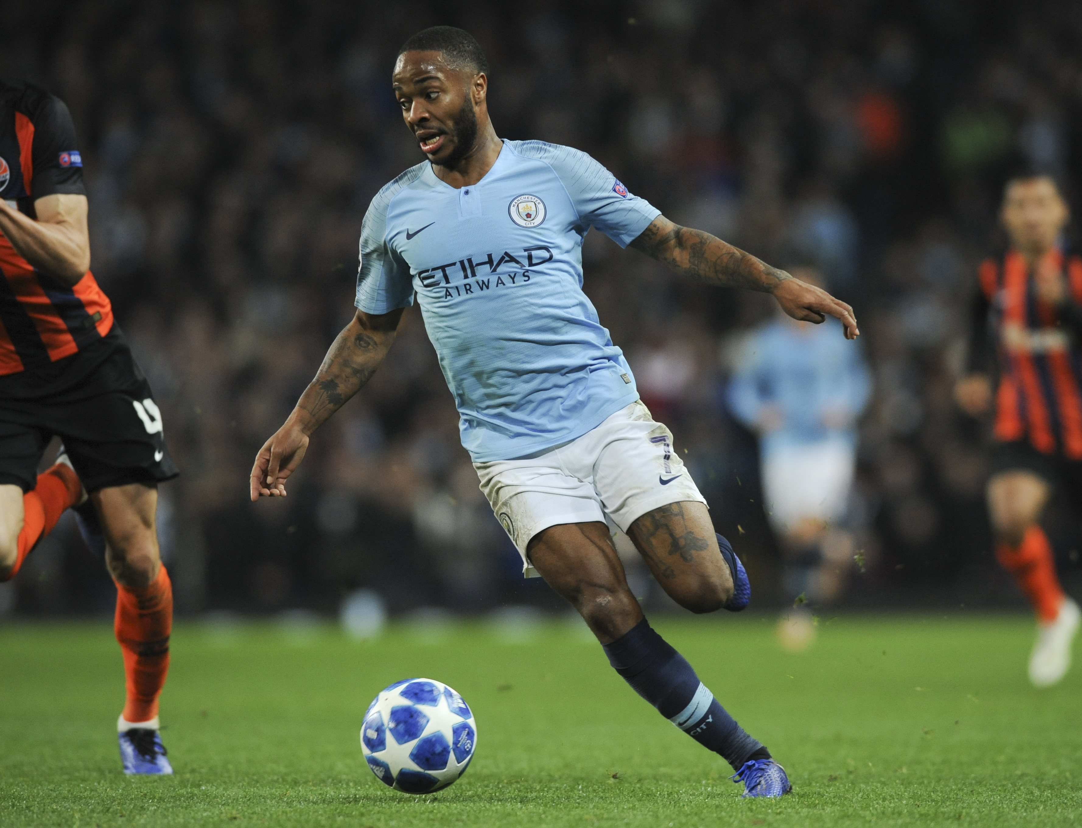 Sterling wins farcical penalty, City wins 6-0 in CL