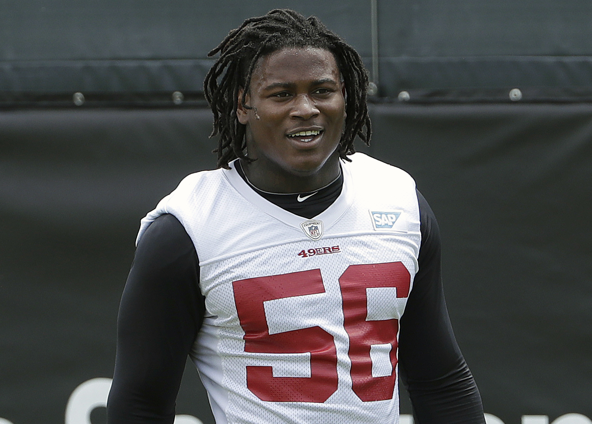 Prosecutors drop battery charge against NFL's Reuben Foster