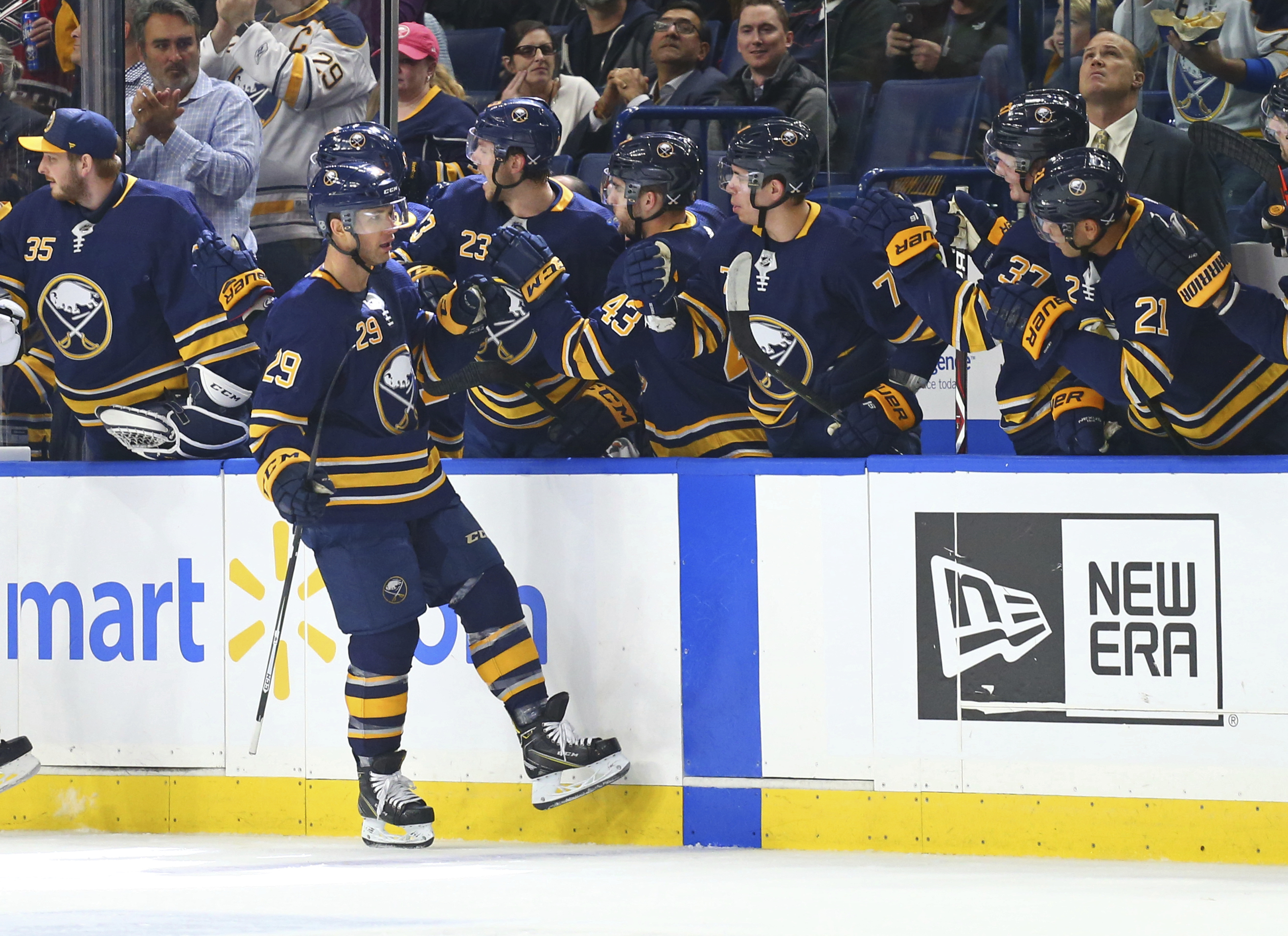 Okposo's late goal lifts Sabres to 4-3 win over Canadiens