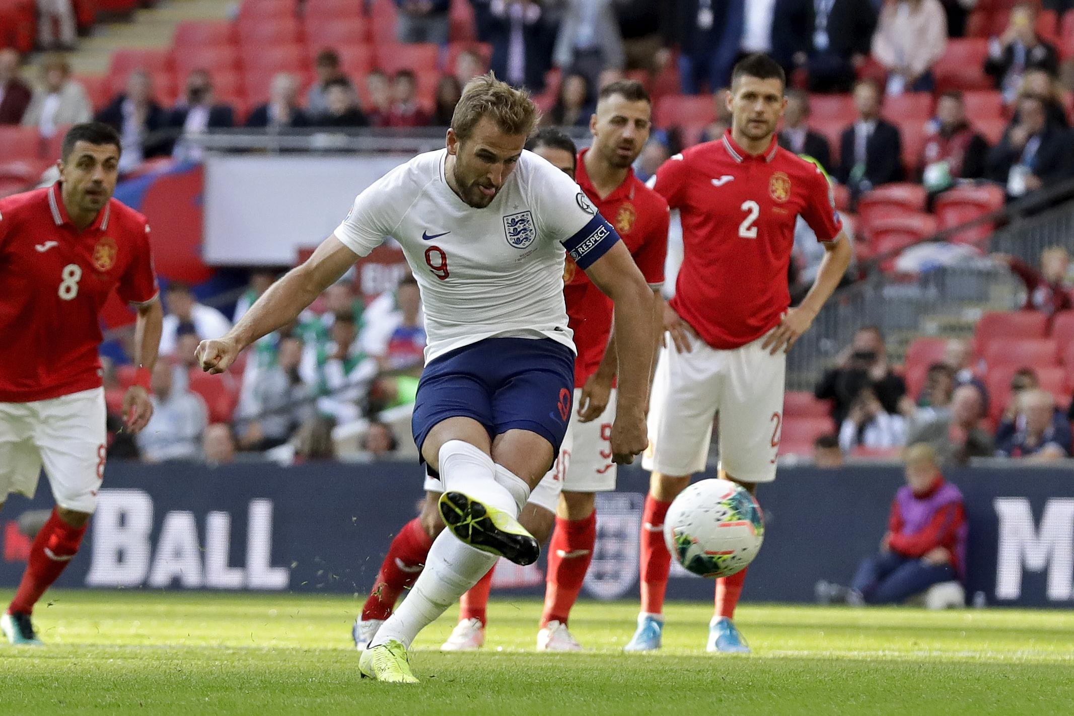 Kane nets treble, sets up Sterling as England beats Bulgaria
