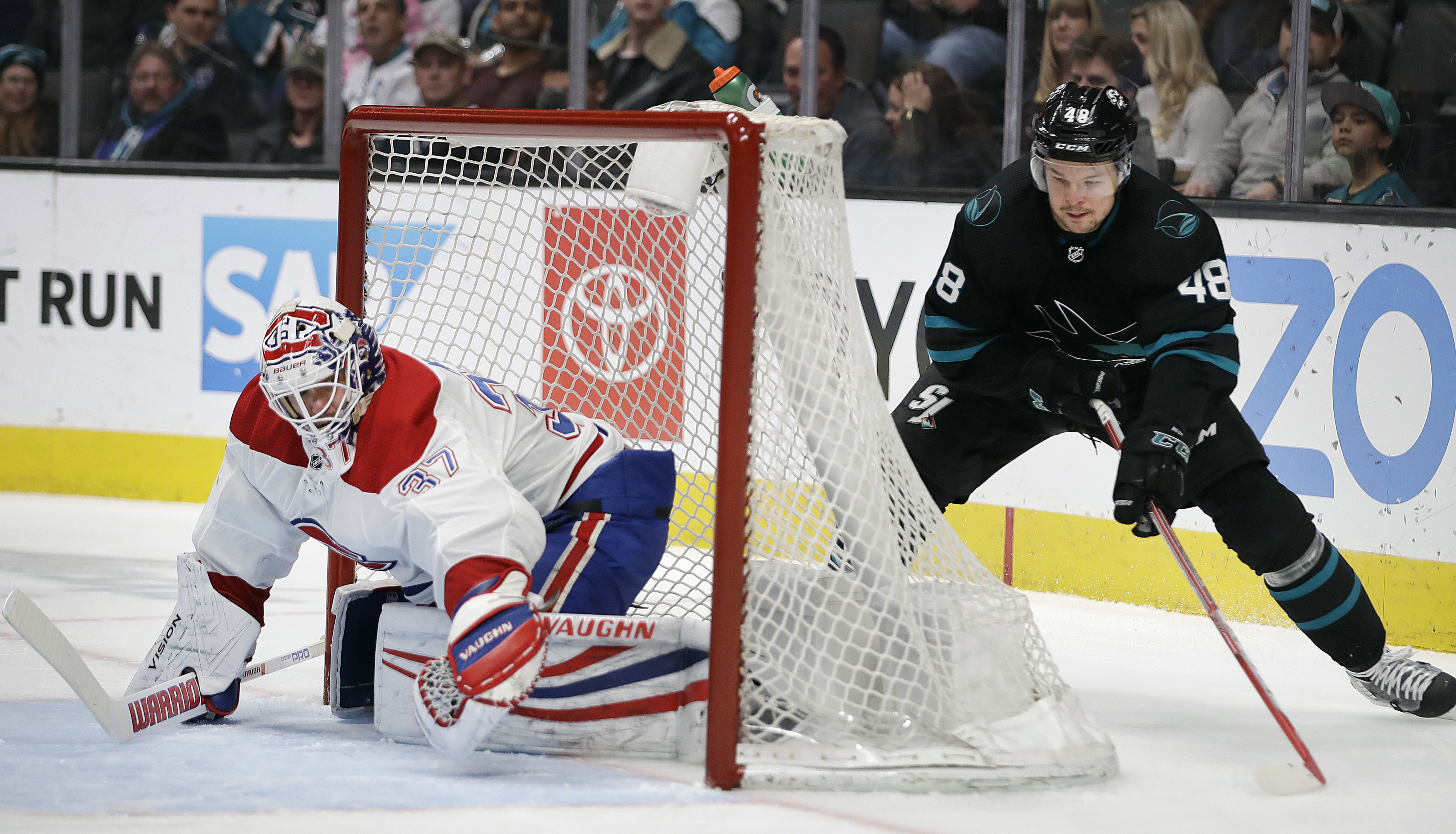 Hertl's 30th goal leads Sharks past Canadiens 5-2