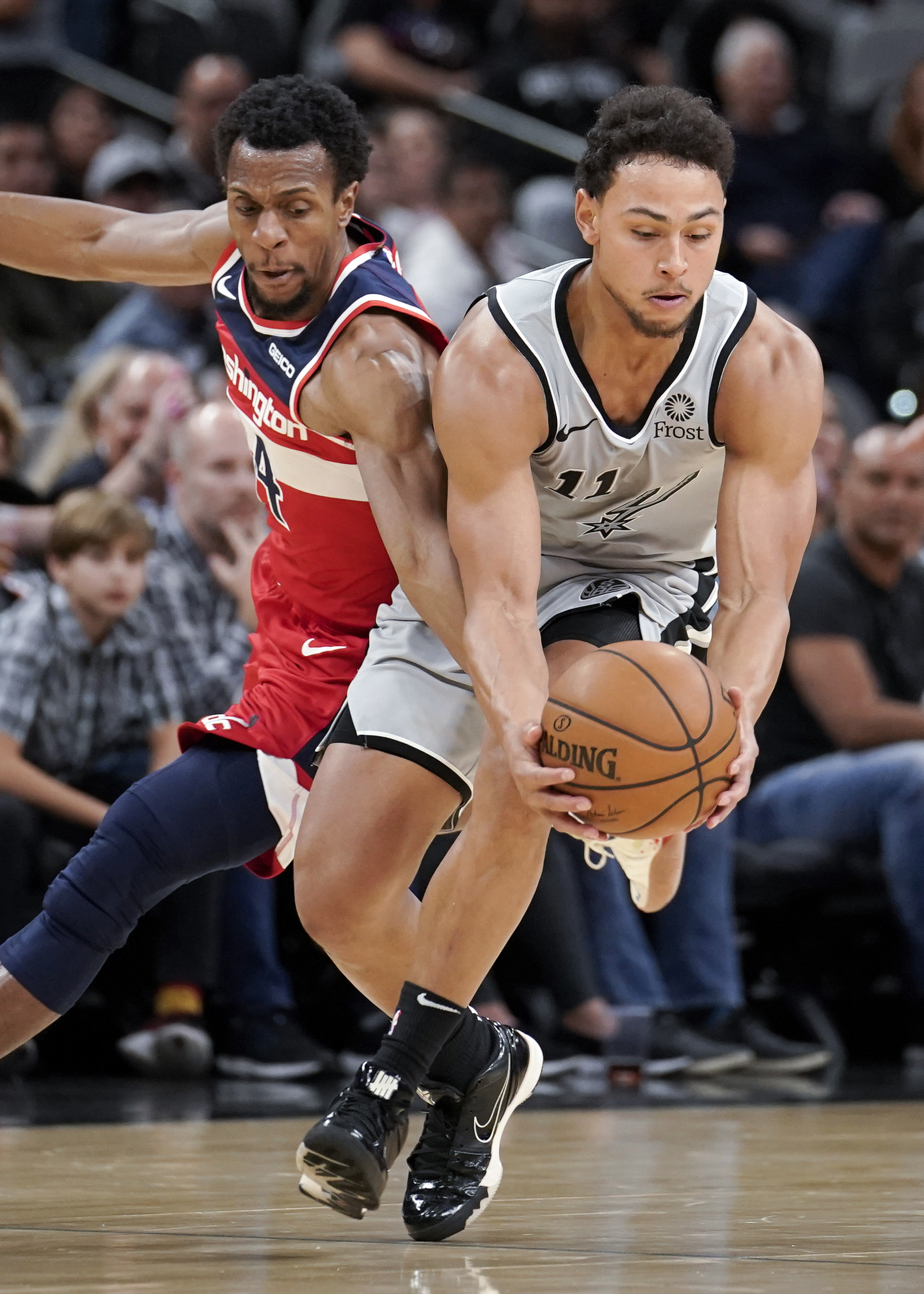 DeRozan's late shot sends Spurs to 124-122 win over Wizards