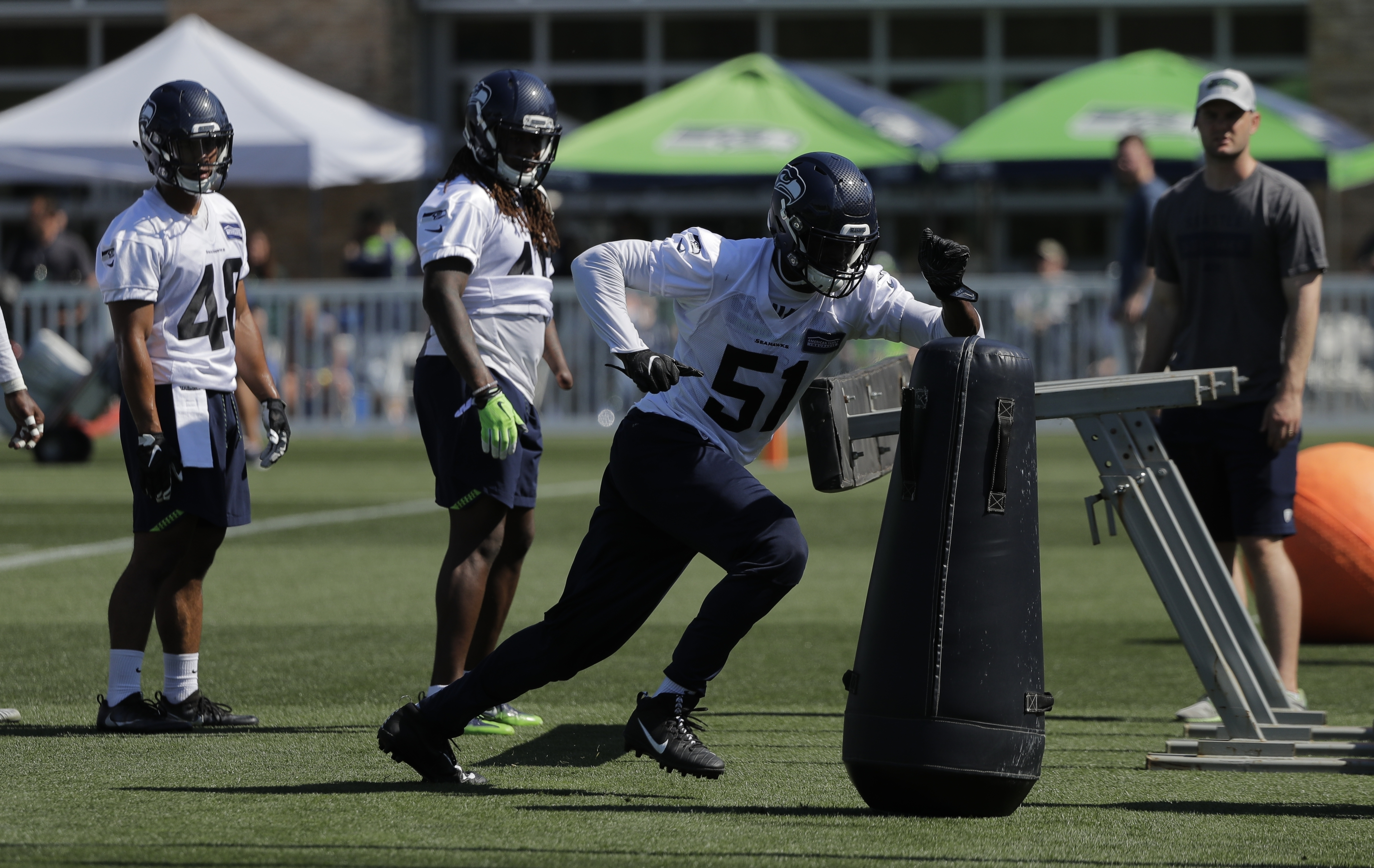 Seahawks hope Barkevious Mingo can be dual threat on defense