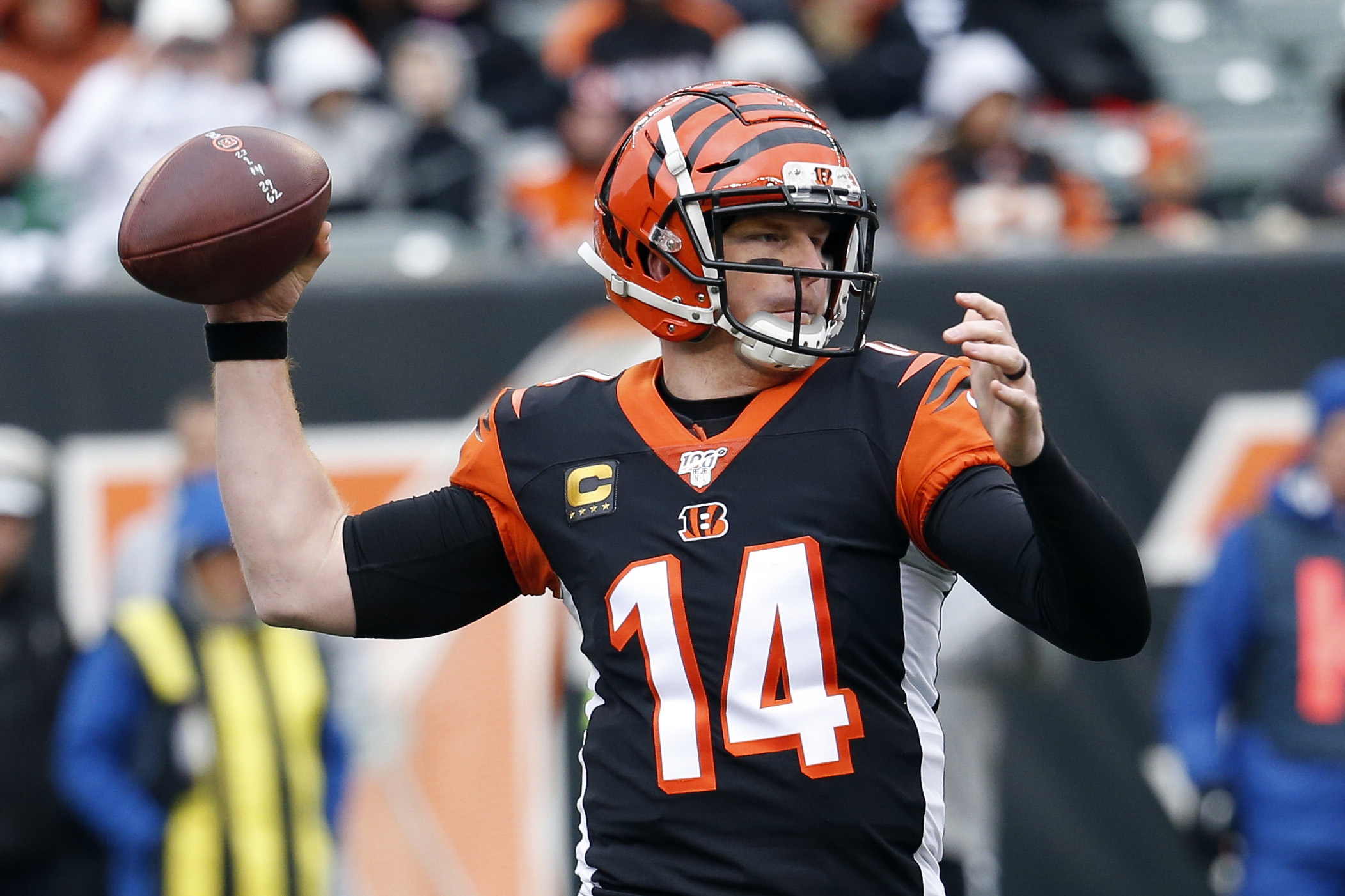 Dalton returns and leads Bengals to 1st win, 22-6 over Jets