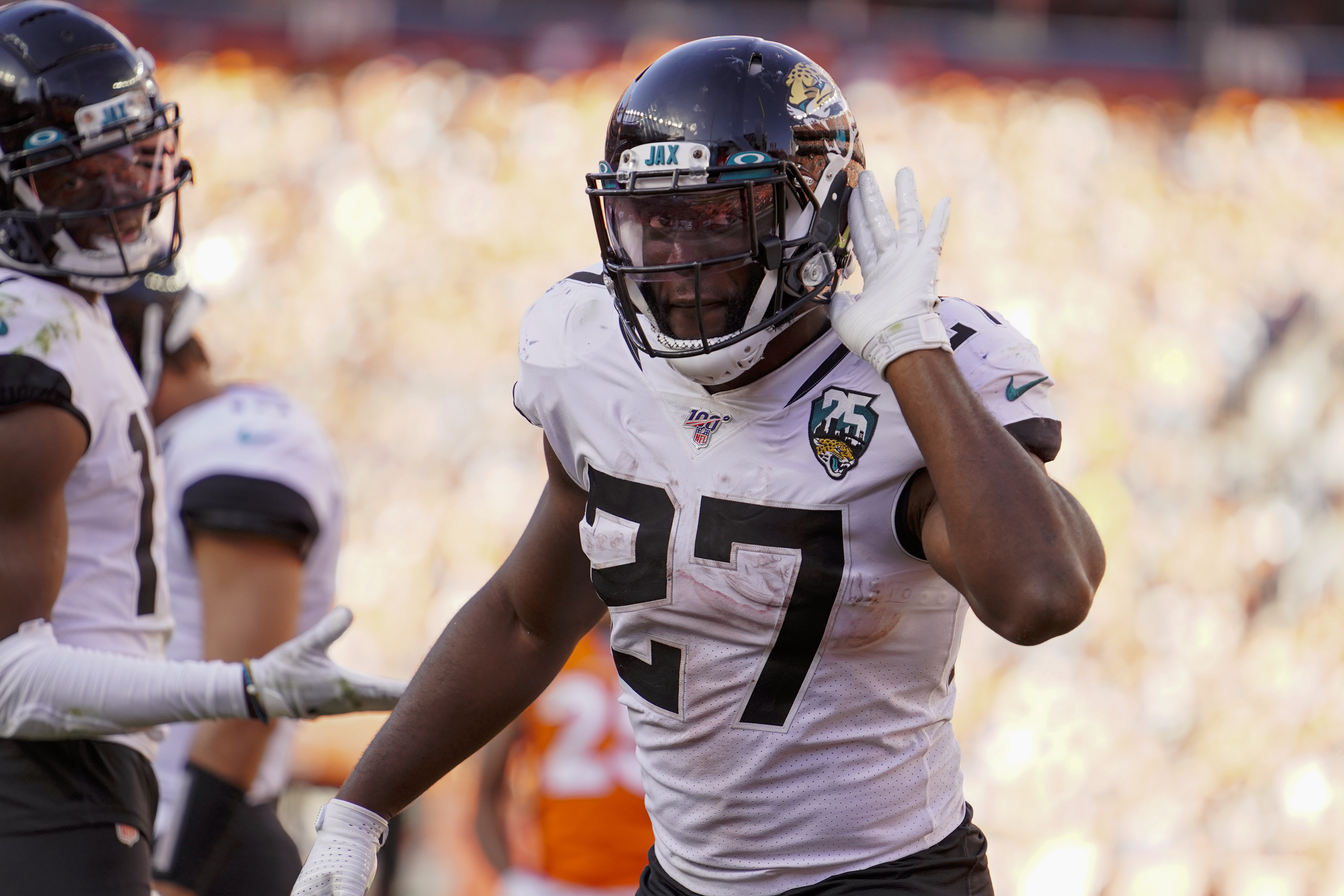 Fournette leads Jags' 26-24 comeback over Broncos