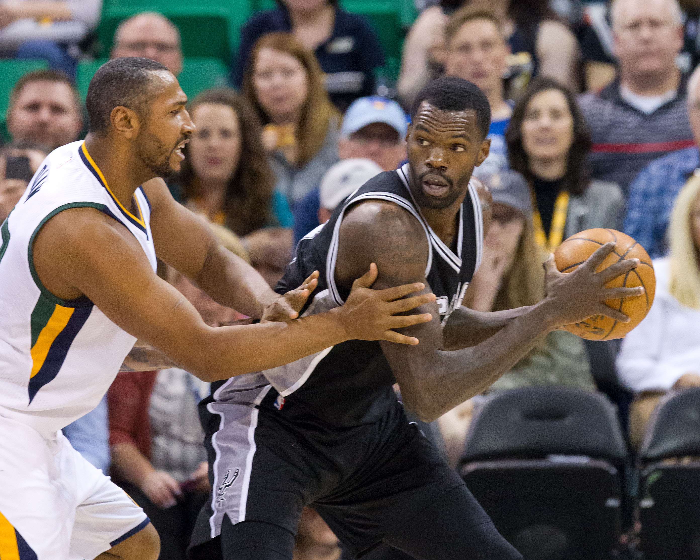 San Antonio Spurs: Should R.C. Buford Re-Sign Dewayne Dedmon?
