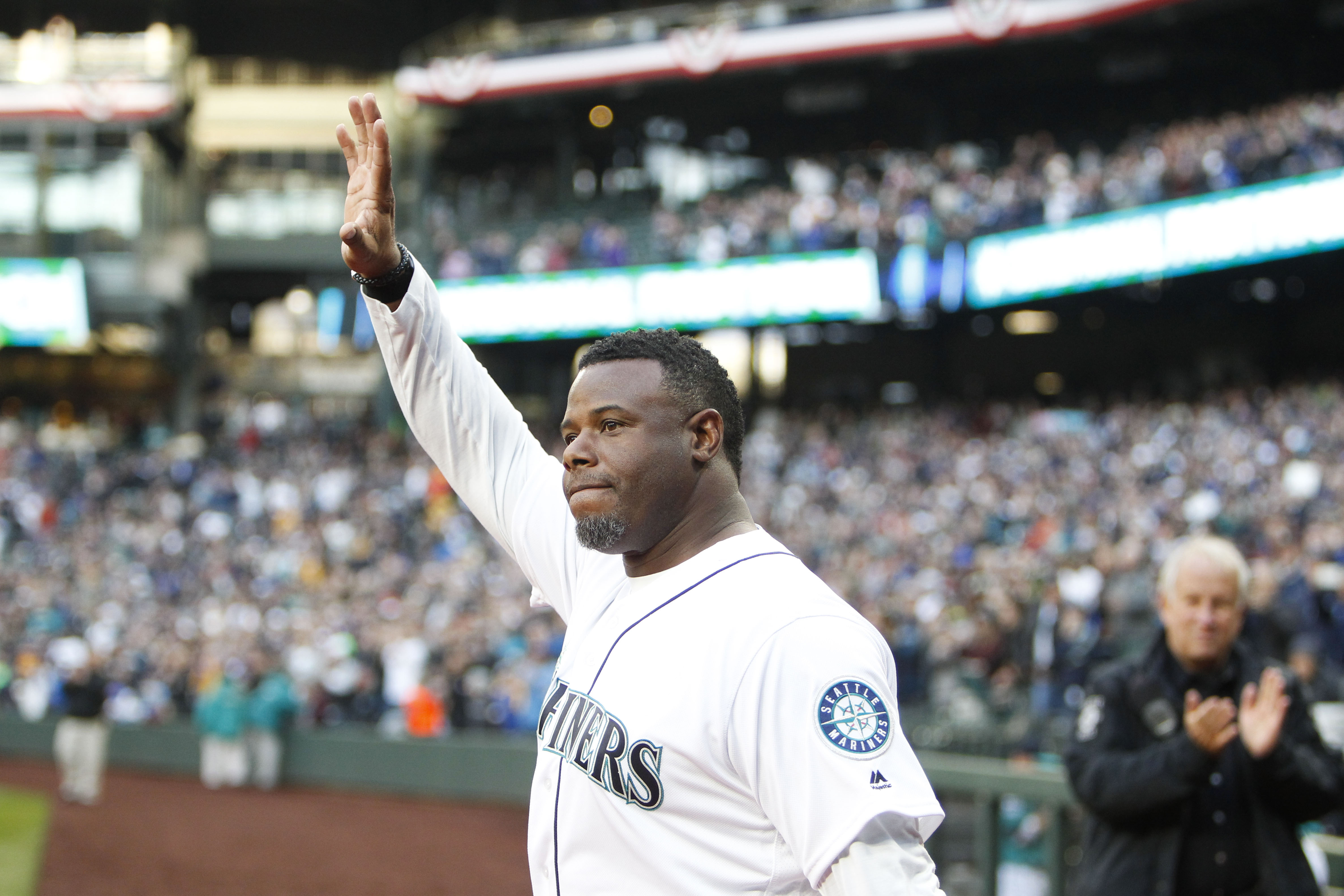 MLB: The ultimate father-son baseball game