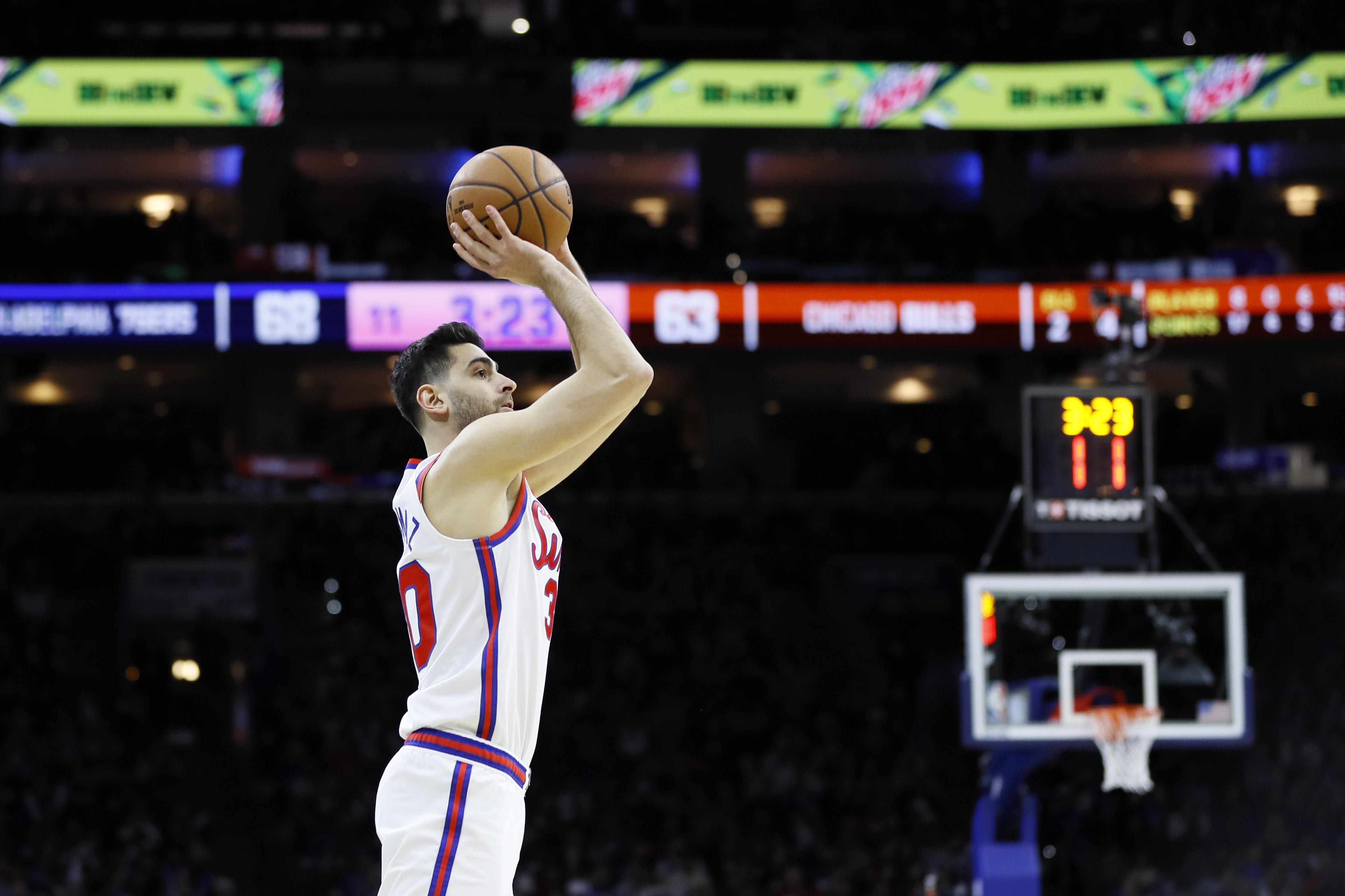 Korkmaz gets hot, scores 24 to lift 76ers over Bulls 100-89