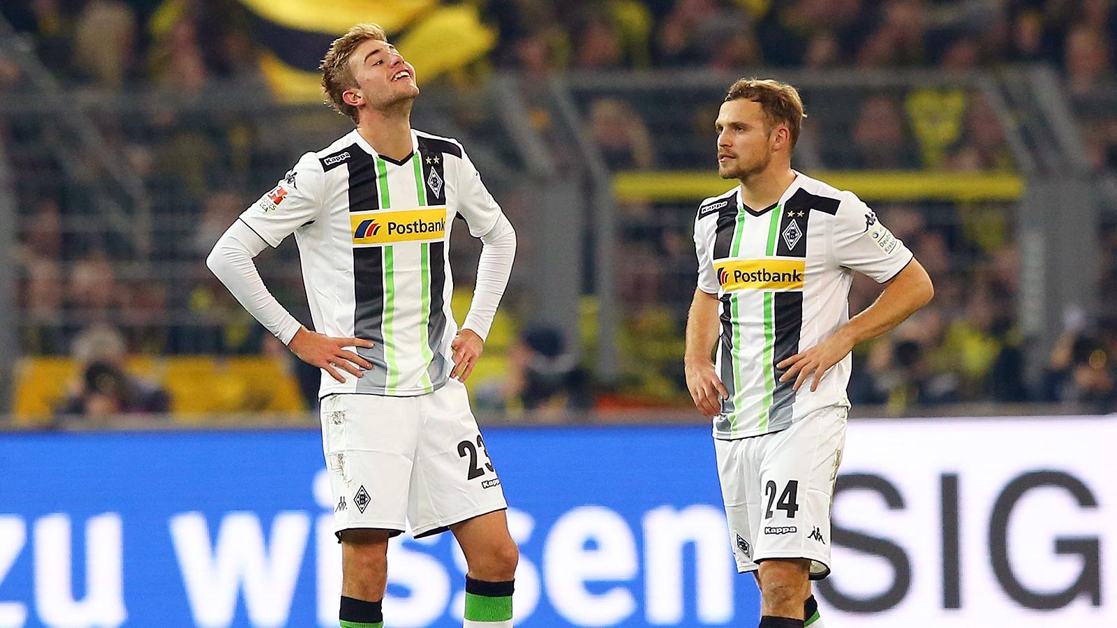 Dortmund's losing streak in Bundesliga ends on crazy own goal from halfway line (GIF)