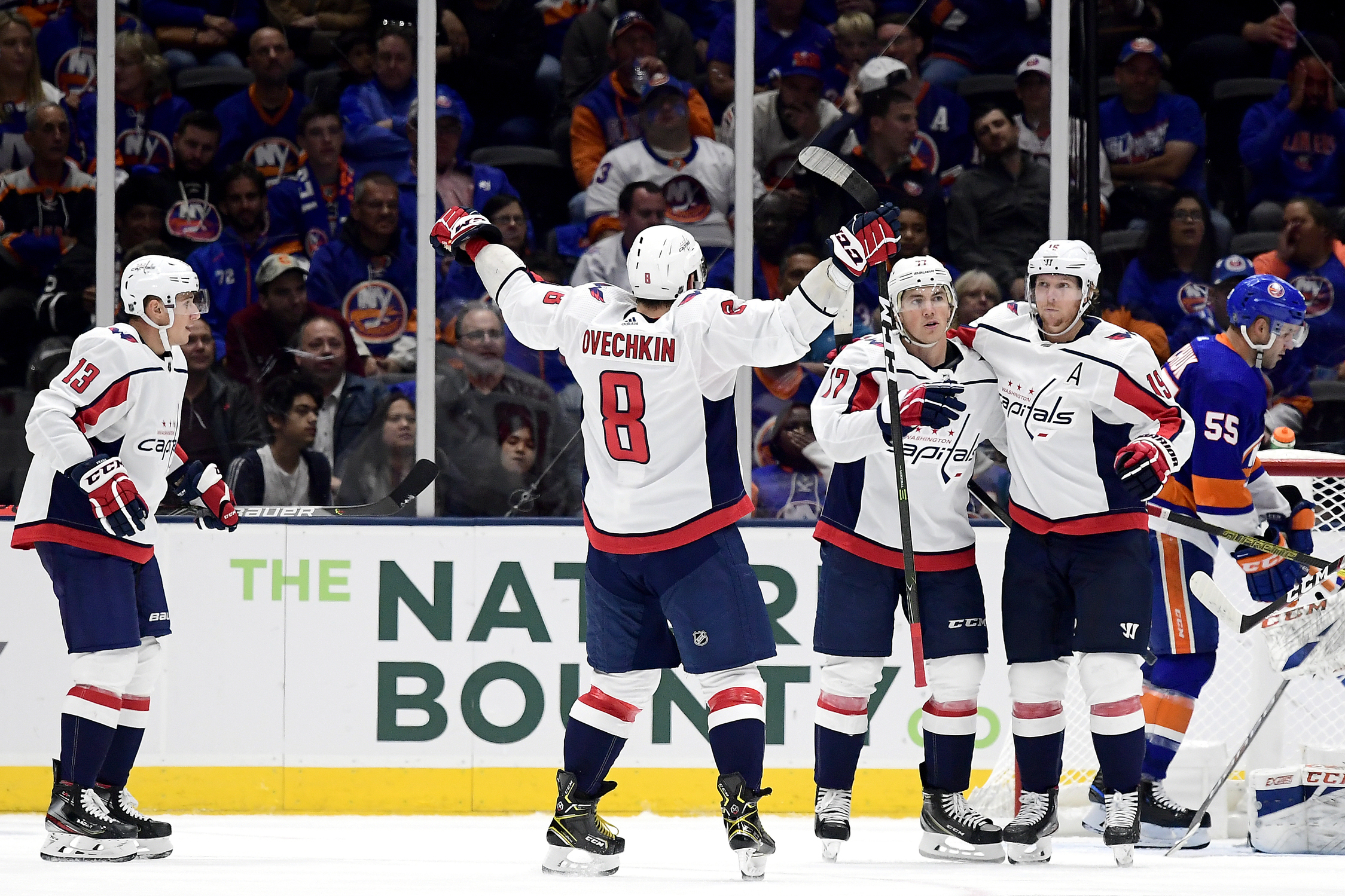Samsonov wins NHL debut as Capitals beat Islanders 2-1