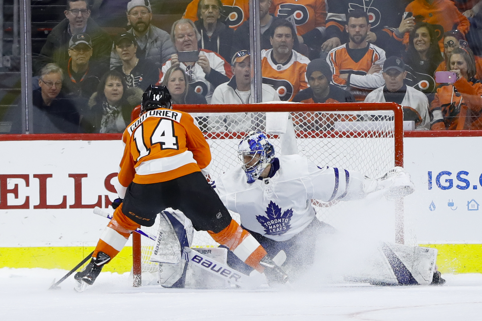 Couturier lifts Flyers to 5-4 shootout win over Maple Leafs