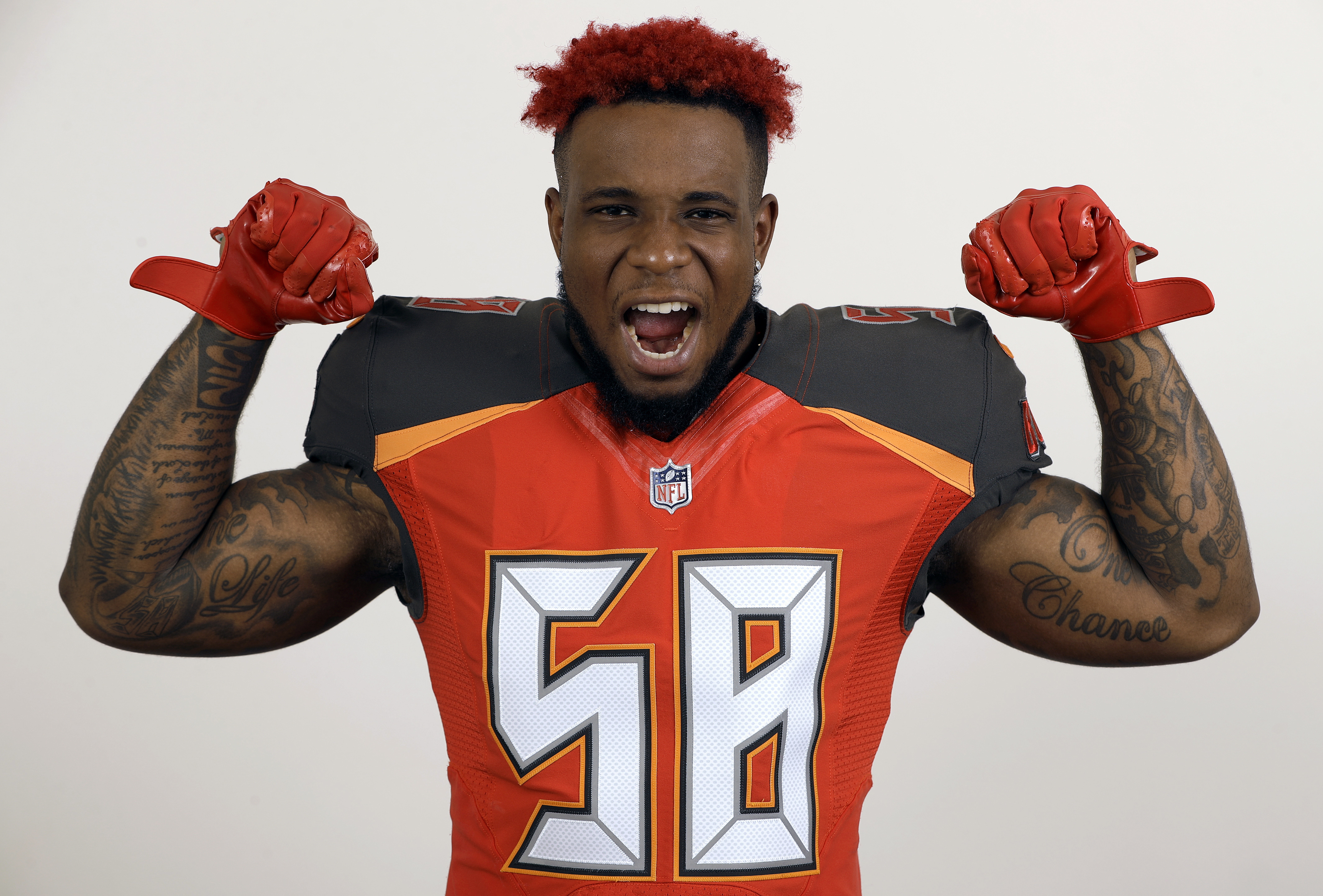 AP Source: 49ers agree to $54M deal with LB Kwon Alexander