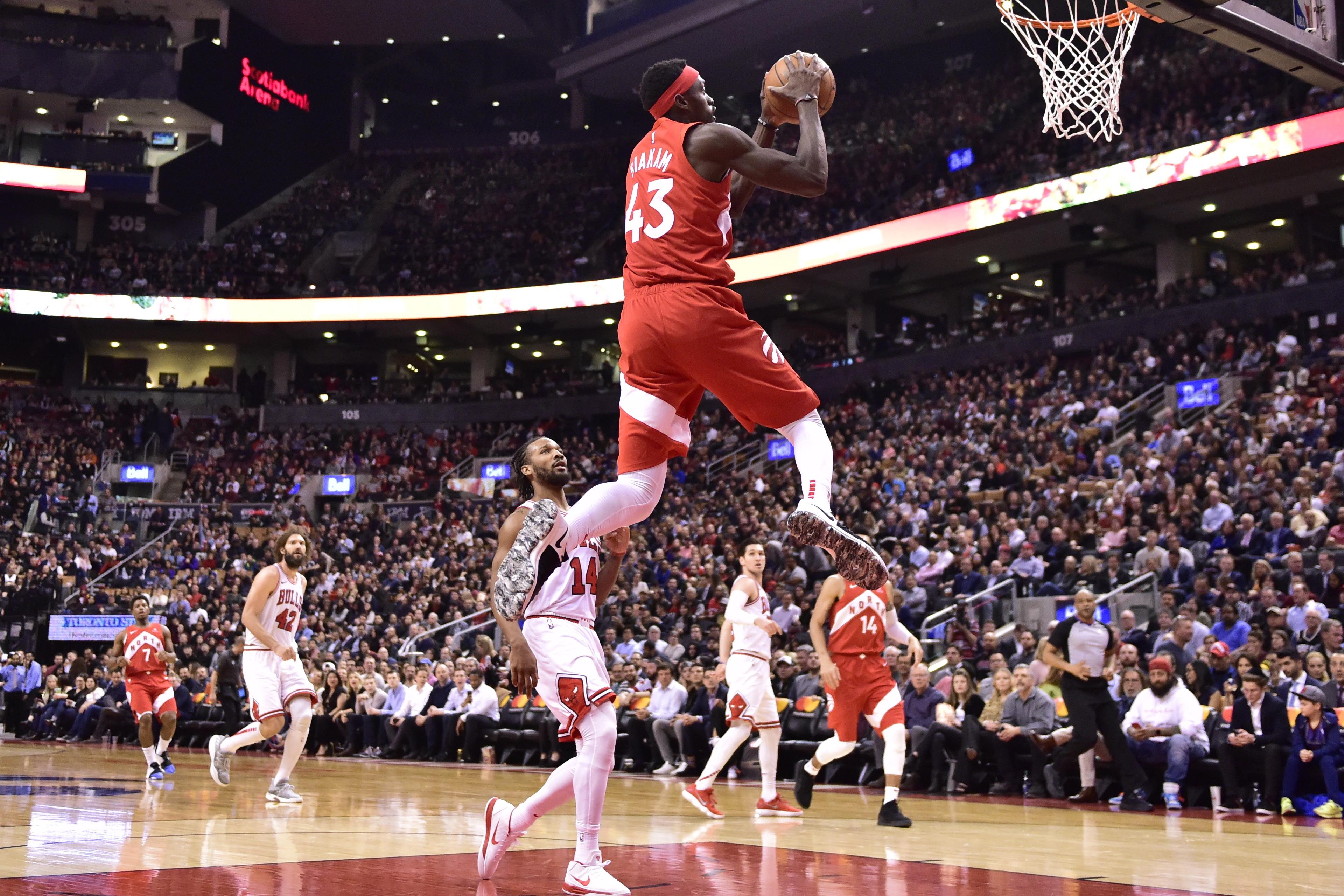 Powell scores 20 as Raptors beat struggling Bulls 112-103