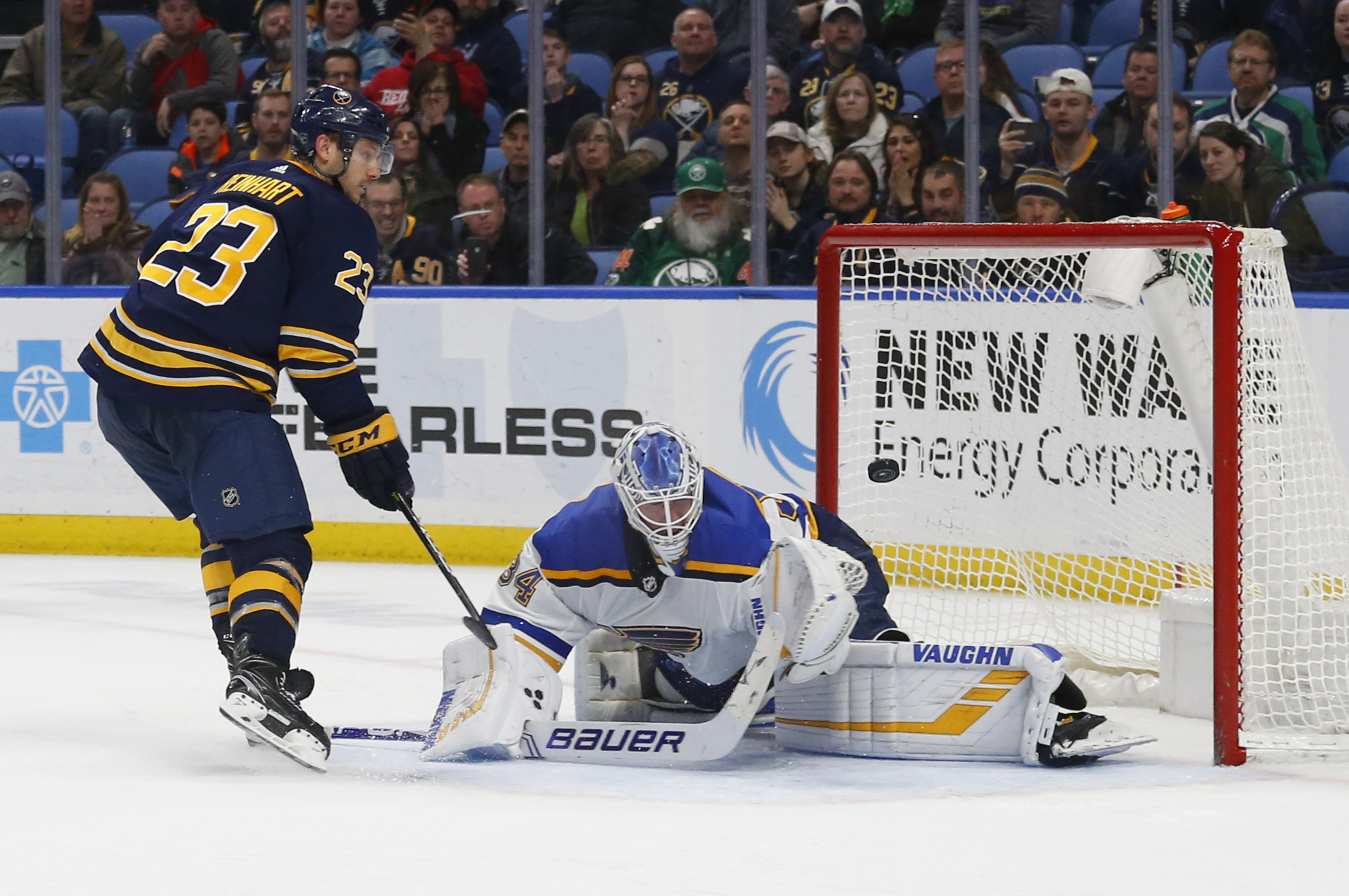 Reinhart's shootout winner lifts Sabres over Blues 4-3