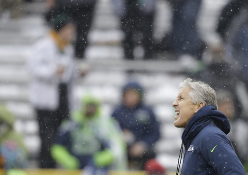 Hobbled Aaron Rodgers helps Packers dissect Seahawks D