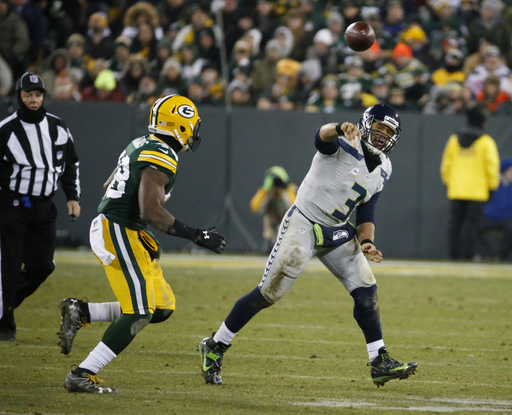 Pack is back: Aaron Rodgers, Green Bay rout Seahawks 38-10 (Dec 11, 2016)