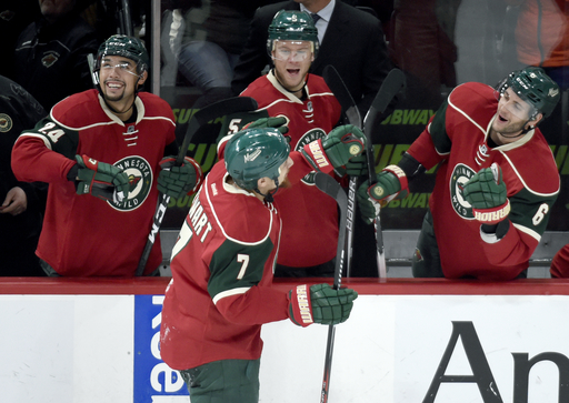 Kuemper has 27 saves, Wild beat Coyotes for 7th straight win (Dec 17, 2016)