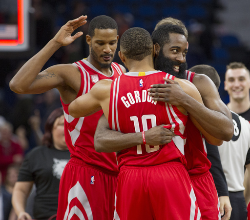 Rockets rally for 10th straight win, stun Wolves in OT (Dec 17, 2016)