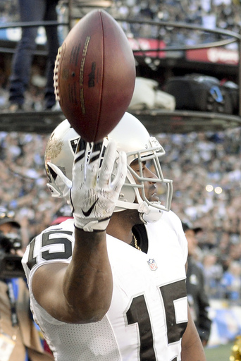 Raiders heading to playoffs, lowly Chargers maybe to LA