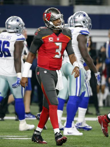 Red-letter day: Elliott, Cowboys bounce back, top Bucs 26-20 (Dec 18, 2016)