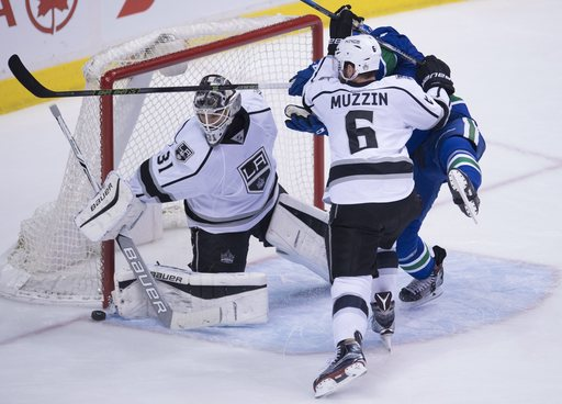 Miller has 36 saves to lift Canucks over Kings 2-1 (Dec 28, 2016)