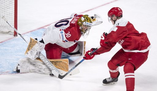 US beats Russia 3-2 in world junior hockey
