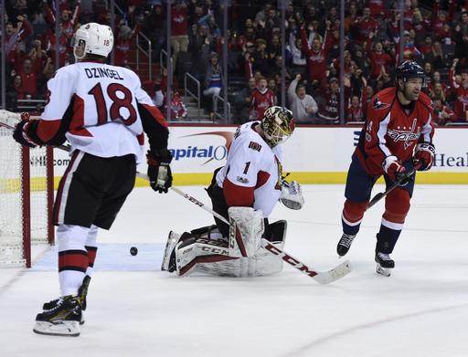 Defenseman Taylor Chorney scores, Capitals beat Senators 2-1 (Jan 01, 2017)