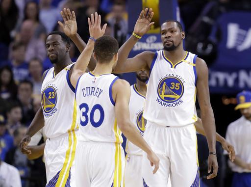 Curry, Durant lead Warriors past Trail Blazers 125-117 (Jan 04, 2017)