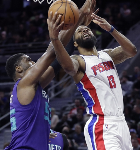 Pistons hold off Hornets when Belinelli's shot is too late (Jan 05, 2017)