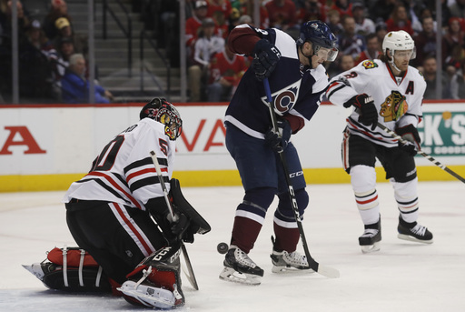 Hinostroza rallies Blackhawks to 6-4 win over Avalanche (Jan 17, 2017)