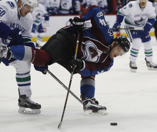 Baertschi scores twice and Canucks beat Avalanche 3-2 (Jan 25, 2017)
