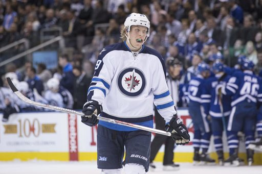 Gardiner scores OT winner to lift Maple Leafs past Jets (Feb 21, 2017)