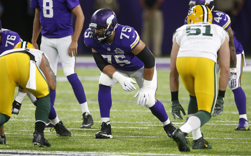 Vikings bolster tackles by signing Riley Reiff, Mike Remmers