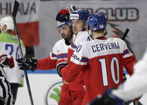 France beats Belarus, Germany loses to Denmark at ice hockey