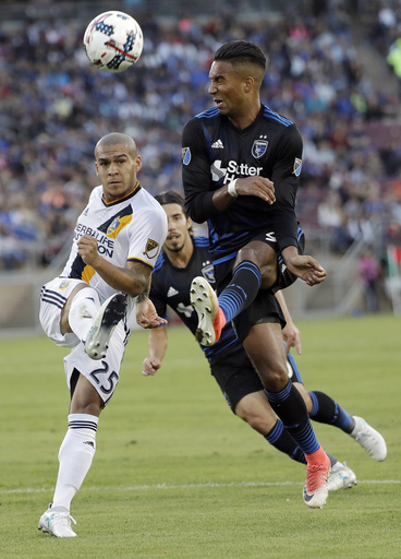 Salinas scores in stoppage time, Earthquakes beat Galaxy 2-1 (Jul 01, 2017)