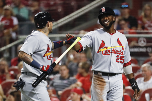 Fowler delivers again as Martinez, Cardinals beat Reds 8-5 (Sep 21, 2017)
