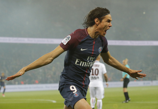 Cavani scores 2 as leader PSG coasts to 3-0 win against Nice