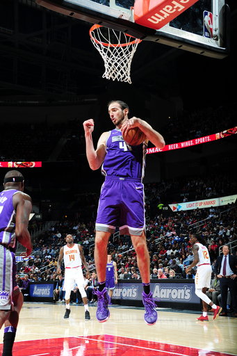 Hawks get their most lopsided win ever, 126-80 over Kings (Nov 15, 2017)