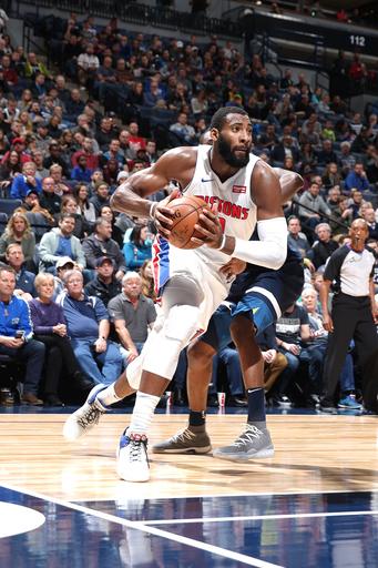 Drummond scores 20 points, Pistons outlast T-Wolves 100-97 (Nov 19, 2017)
