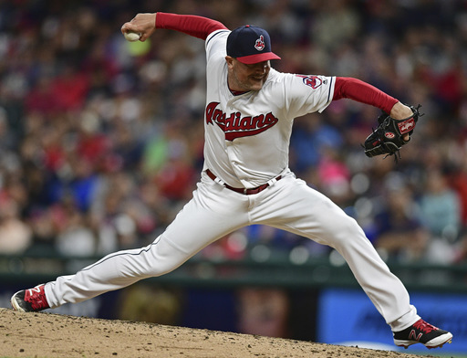 Joe Smith, champion Astros agree to $15M, 2-year contract